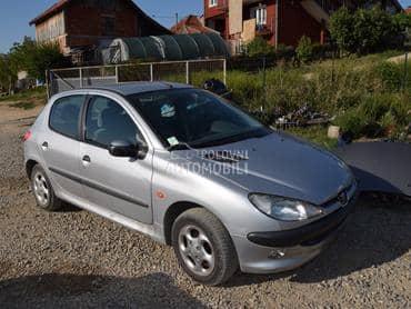 Peugeot 206 2003. god. - kompletan auto u delovima