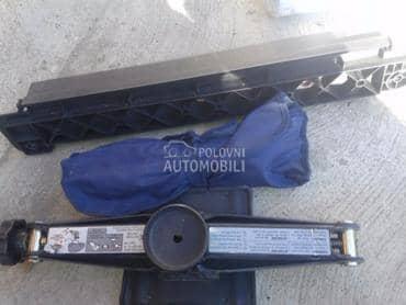 Dizalica i kljuc za Mercedes Benz A 140, A 150, A 160 ...