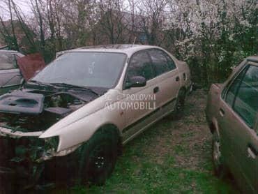 Toyota Carina - kompletan auto u delovima