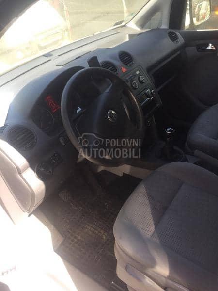 Volkswagen Caddy 2005. god. - kompletan auto u delovima