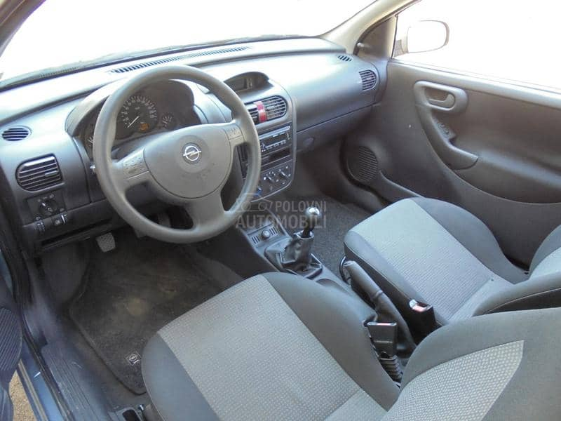 Opel Corsa C 1.0b   2006god