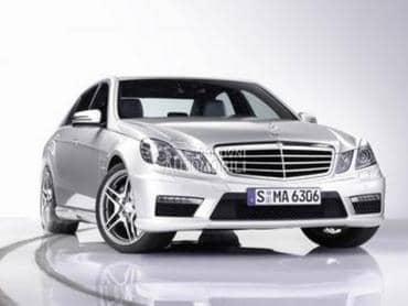 Mercedes Benz E Klasa 2012. god. - kompletan auto u delovima