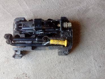 dizalica kljuc za Renault Clio