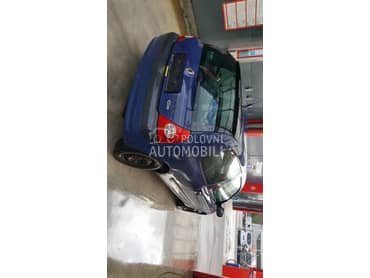 Delovi za Renault Clio 2003. god.