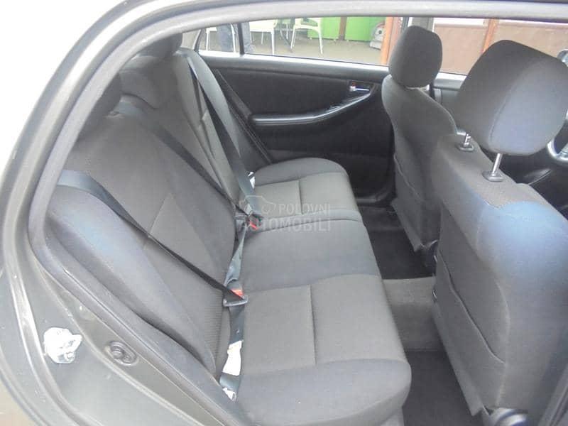 Toyota Corolla 1.4  2005god