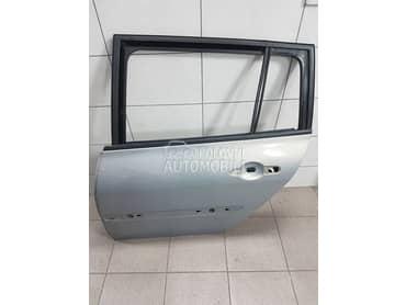 Vrata vise boja za Renault Megane od 2003. do 2008. god.