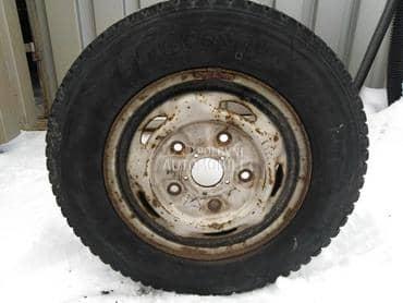 Bridgestone 195/70 R15 Zimska