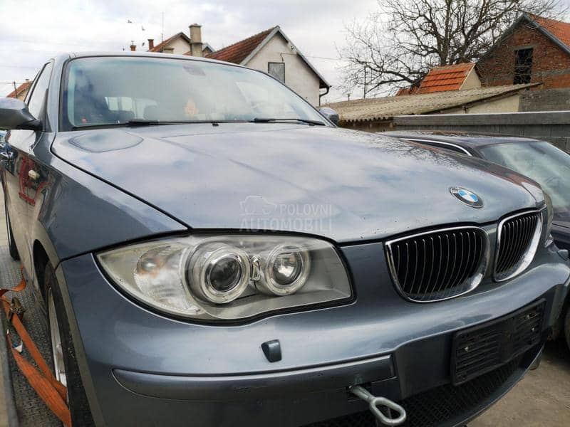 BMW 120 - kompletan auto u delovima