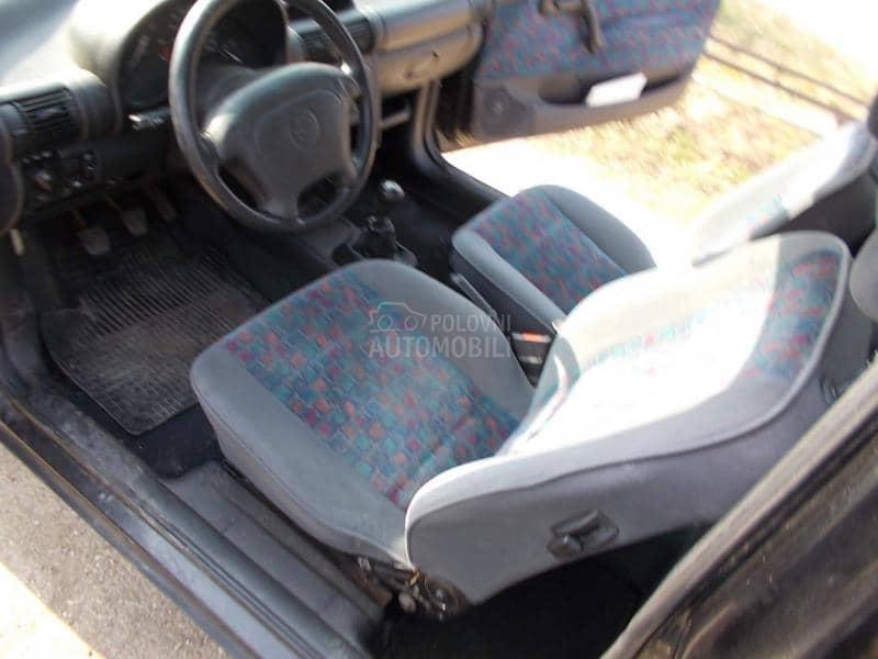 Opel Corsa B 1998. god. - kompletan auto u delovima