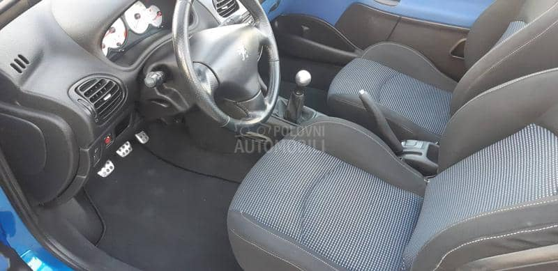 Peugeot 206 CC 1.6 16v