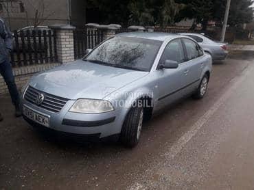 Volkswagen Passat 2003. god. - kompletan auto u delovima