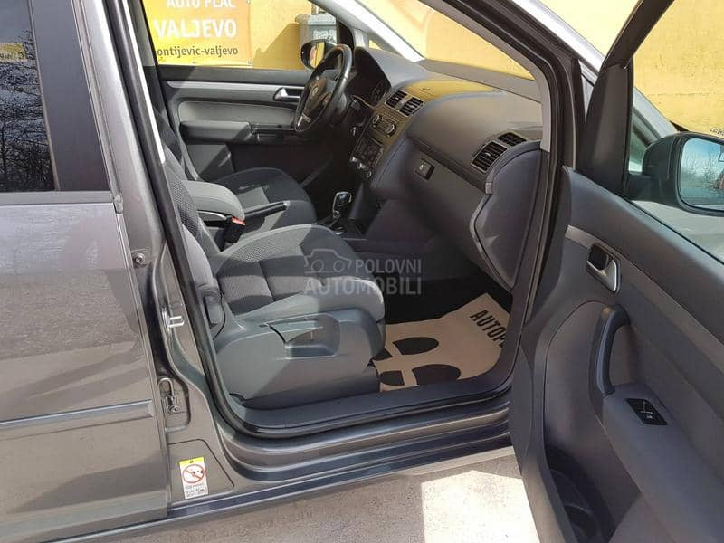 Volkswagen Touran 1.6 TDI DSG NOVO