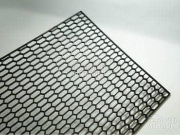 Mrezica plasticna za branik za AC Ostalo
