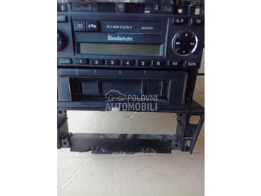kasetofon za Škoda Octavia od 2000. do 2003. god.