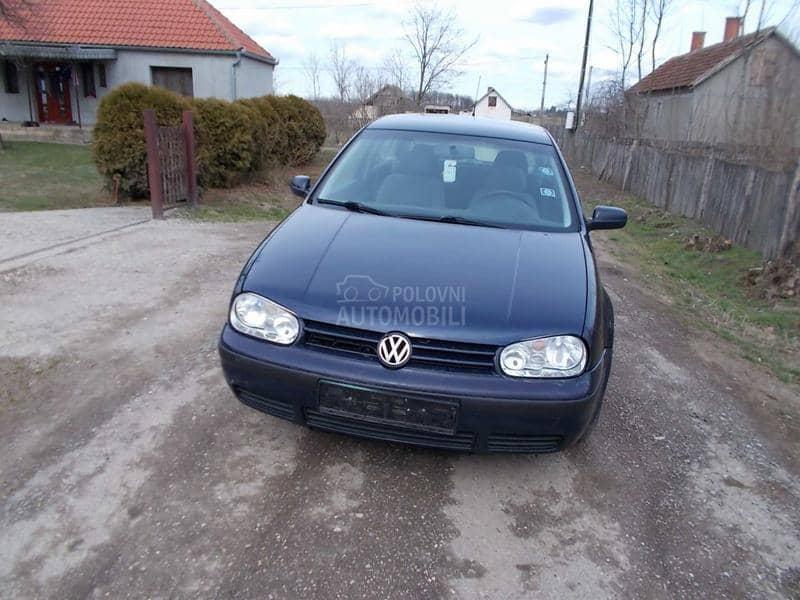 Volkswagen Golf 4 - kompletan auto u delovima