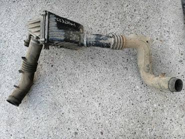 Kuciste filtera vazduha za Nissan Vanette od 1995. do 2002. god.