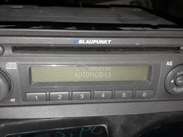 Radio cd fabricki za Fiat Panda od 2004. do 2010. god.