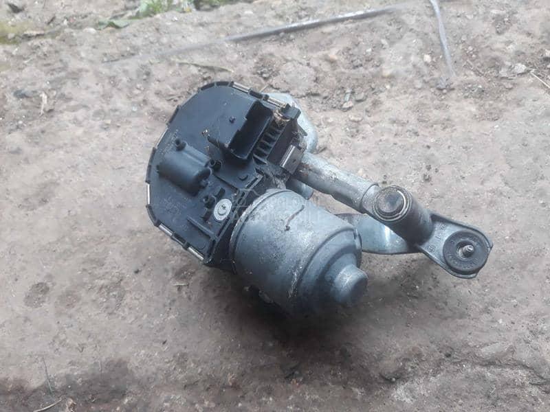 motor brisaca 407