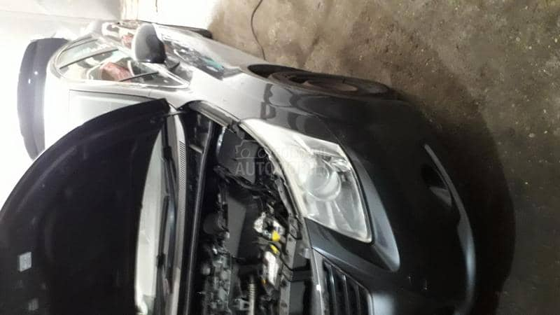 Toyota Avensis 2010. god. -  kompletan auto u delovima