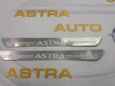 Nalepnie na pragu za Opel Astra H