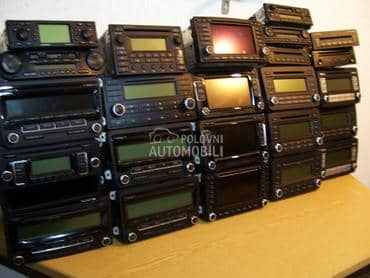Fabricki cd mp3 radio za Volkswagen 181, Amarok, Bora ...