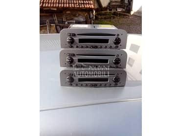 CD plejer za Alfa Romeo 147