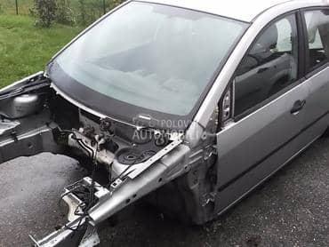 Ford Fiesta - kompletan auto u delovima